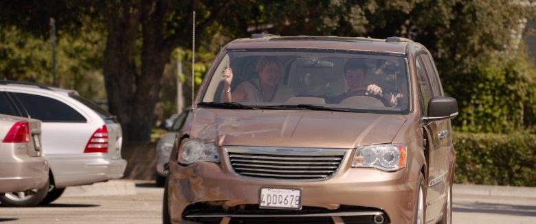 Chrysler Town & Country Car in Alexander and the Terrible, Horrible, No Good, Very Bad Day (8)