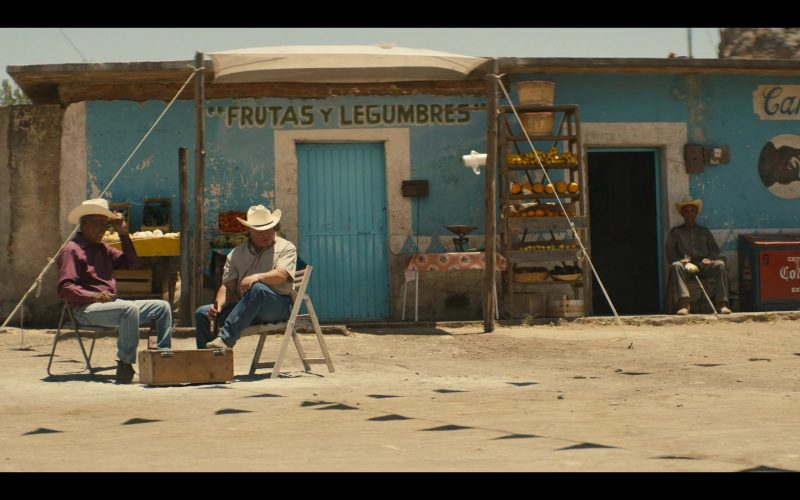 Corona Extra in Narcos Mexico Season 2 Episode 8 (2020)