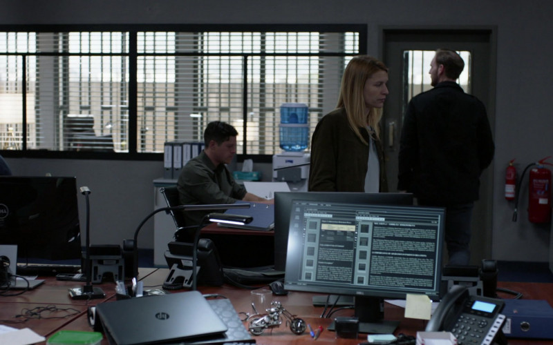Dell Computer Monitors and HP Notebook in Homeland S08E03 False Friends