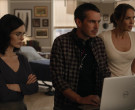 Dell Laptop in Lincoln Rhyme Hunt for the Bone Collector S01E07 Requiem (2)