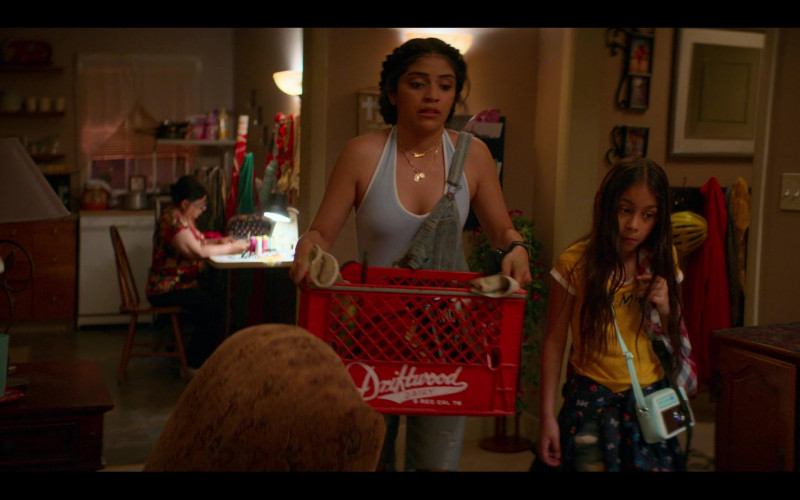 Driftwood Dairy Red Box Used by Karrie Martin as Ana Morales in Gentefied S01E01 Casimiro (3)