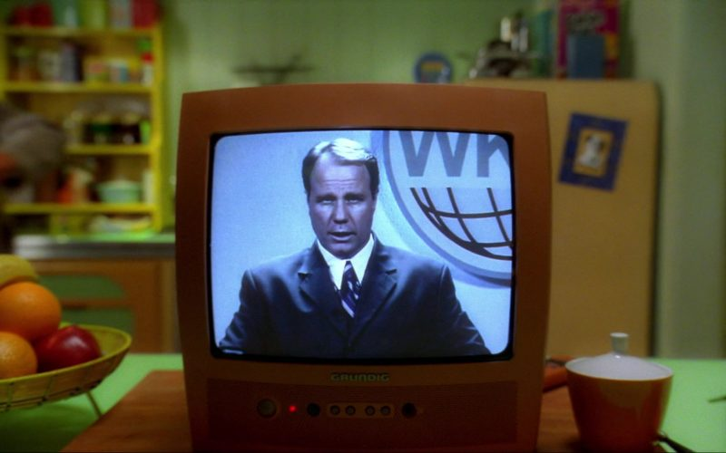 Grundig TV in Inspector Gadget 2 (2003)