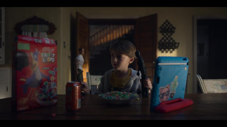 """Kellogg's Froot Loops Cereal in Locke & Key Season 1 Episode 1 """"Welcome to Matheson"""" (2020) TV Show"""