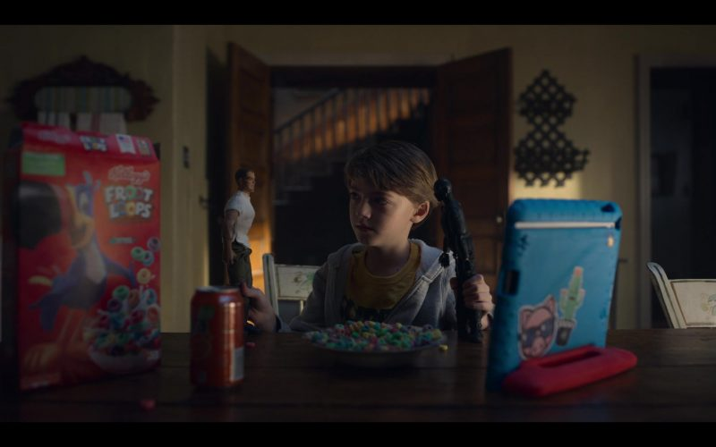 Kellogg's Froot Loops Cereal in Locke & Key Season 1 Episode 1 Welcome to Matheson (2020)