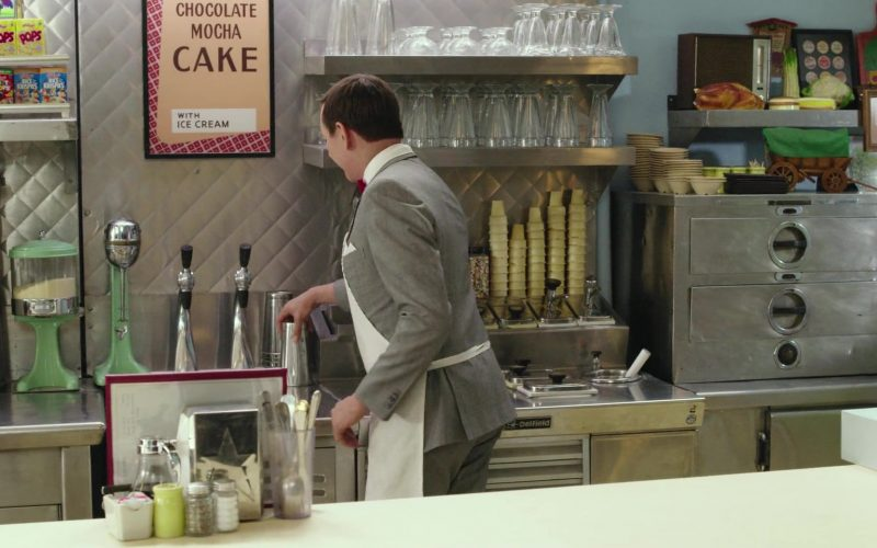 Kellogg's Mini Cereals in Pee-wee's Big Holiday (1)