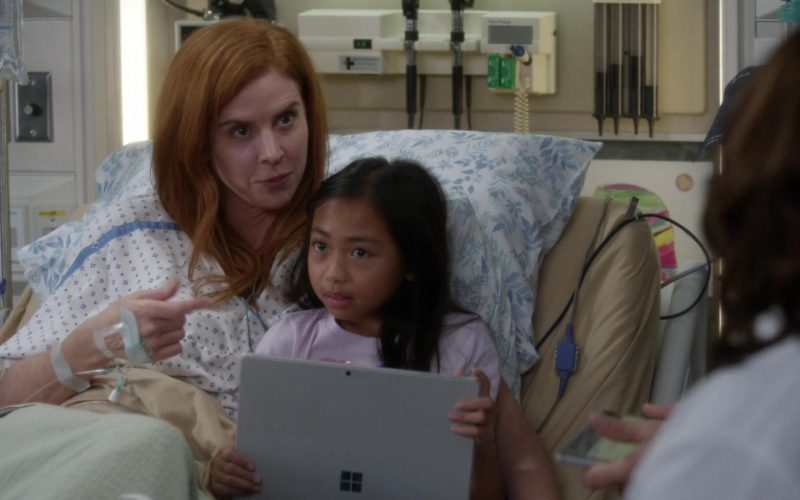 Microsoft Surface Tablets in Grey's Anatomy Season 16 Episode 11 A Hard Pill to Swallow (2)