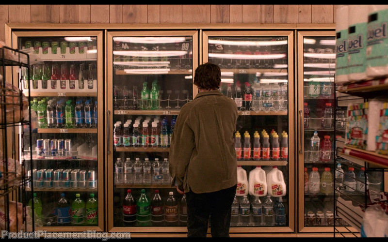 Mountain Dew, Red Bull, Coca-Cola, Sprite, Dr Pepper, Gatorade in I Am Not Okay with This S01E02