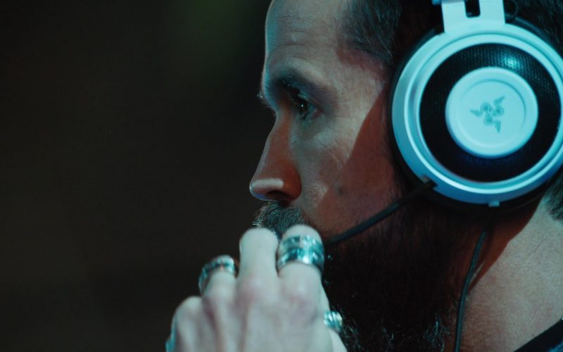 Razer White Gaming Headset Used by Rob McElhenney as Ian Grimm in Mythic Quest Raven's Banquet Season 1 Episode 7 (1)