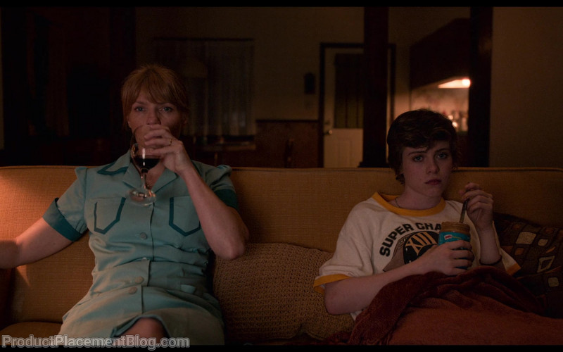 Skippy Peanut Butter Enjoyed by Sophia Lillis as Sydney Novak in I Am Not Okay with This S01E01 (1)