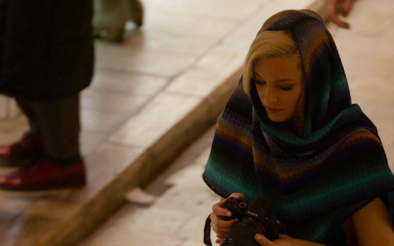 Sony Camera Held by Elizabeth Banks as Rebekah 'Bosley' in Charlie's Angels (2019)