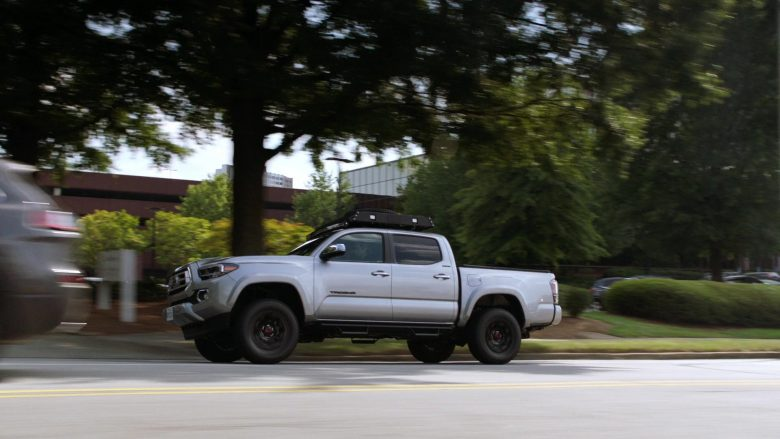 Toyota Tacoma Pickup Truck in MacGyver Season 4 Episode 1 Fire + Ashes + Legacy = Phoenix (2)