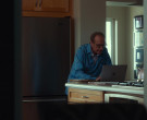 Apple MacBook Laptop Used by David Paymer in Dave S01E04 So...