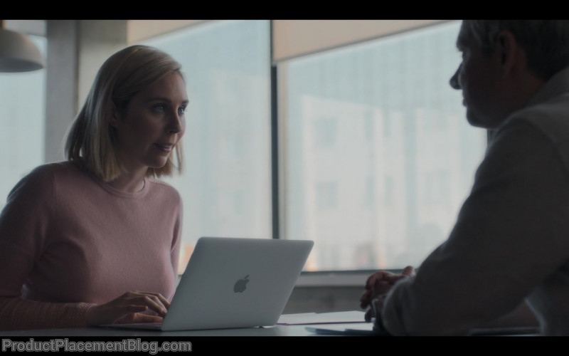 Apple MacBook Laptop in Breeders S01E02 No Places (2020)
