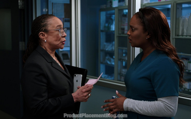 Apple iPhone Smartphone Held by S. Epatha Merkerson as Sharon Goodwin in Chicago Med S05E16