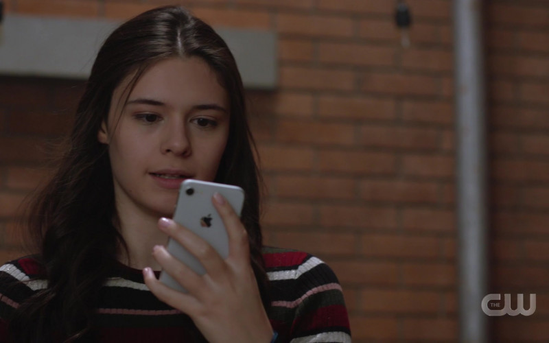 Apple iPhone Smartphone Used by Nicole Maines as Nia Nal Dreamer in Supergirl