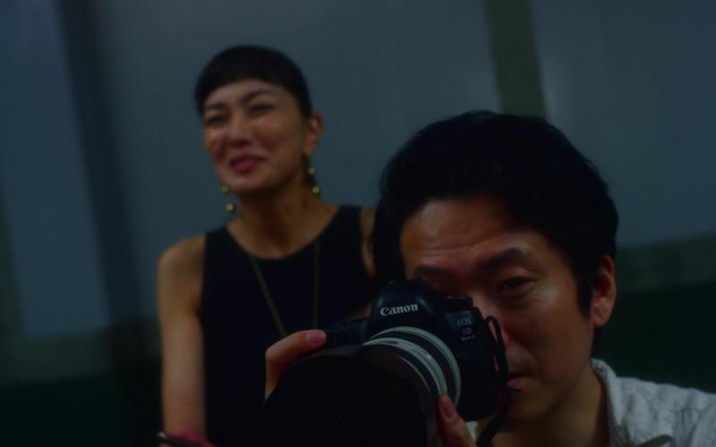 Canon EOS Camera in Followers S01E04 Flaming (2020)