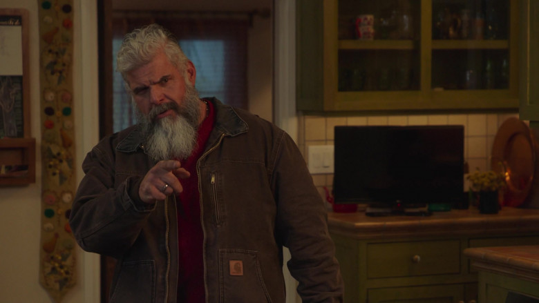 Carhartt Men's Jacket in Better Things S04E05 (1)