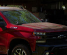 Chevrolet Silverado Z71 Off-Road Package Red Pickup Truck in Hawaii Five-0 S10E19 (3)
