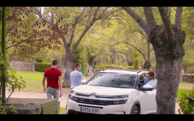 Citroen White Car in Elite S03E08 Polo (2020)