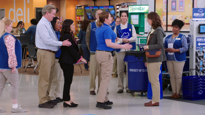 Coinstar in Superstore S05E19 (1)