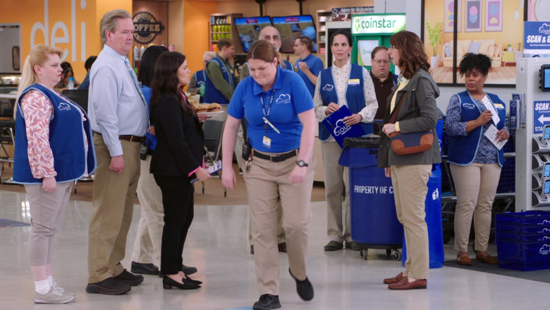 Coinstar in Superstore S05E19 (2)