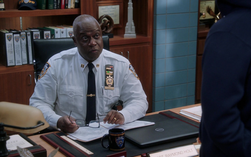 Dell Laptop Used by Andre Braugher as Captain Raymond Holt in Brooklyn Nine-Nine S07E09