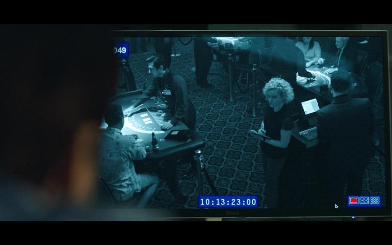 Dell Monitor in Ozark S03E01 Wartime (2020)