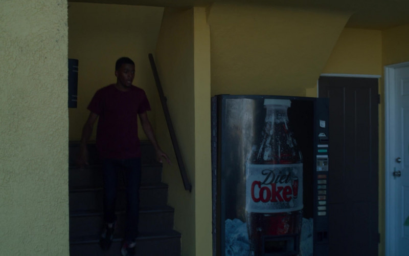Diet Coke Vending Machine in On My Block S03E07 (2)