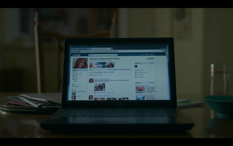 Facebook Social Network in Lost Girls (2020)