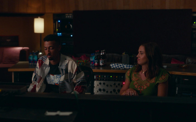 Fiji Water and Pabst Beer in Dave S01E03