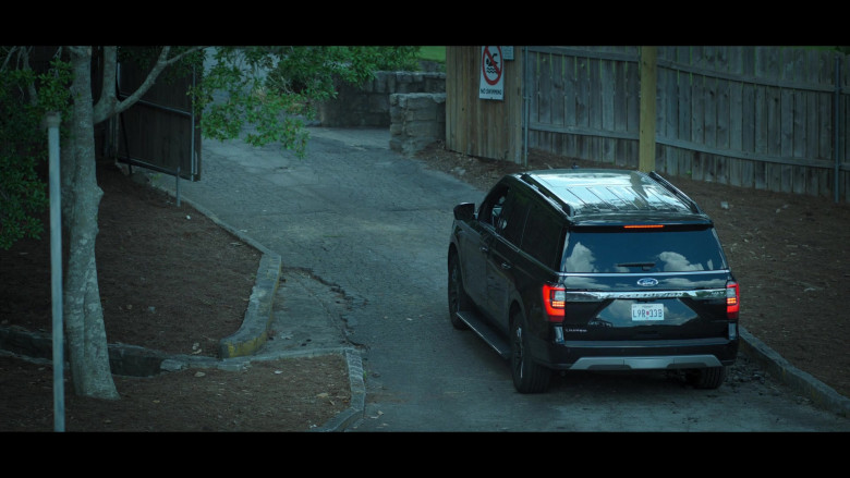 Ford Expedition Car in Ozark S03E03 (2)