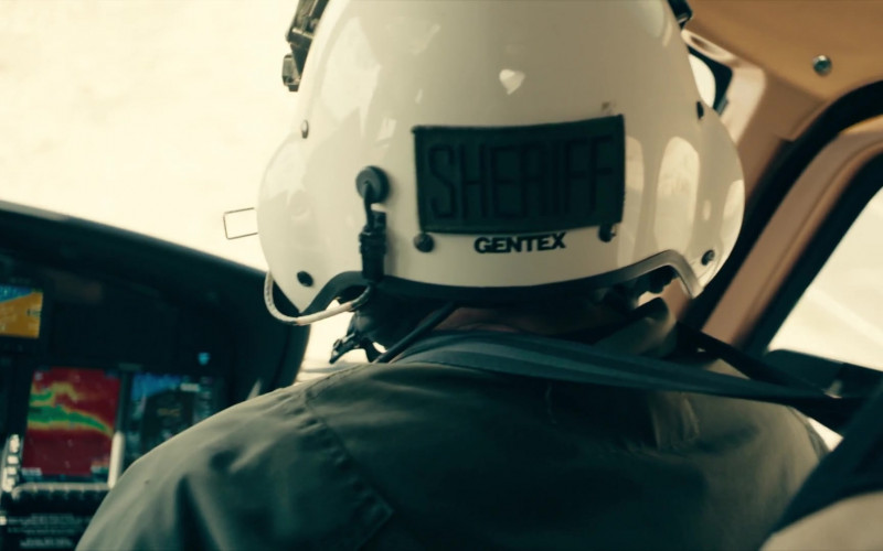 Gentex Helmet in Deputy S01E13 10-8 Bulletproof (2020)