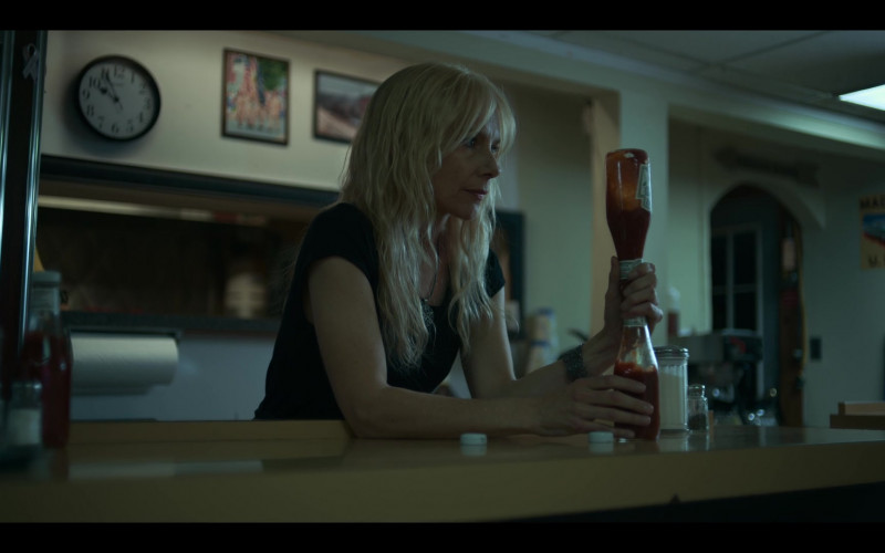 Heinz 57 Ketchup in Lost Girls (1)