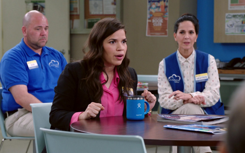 Hydro Flask Blue 12 oz Travel Coffee Mug Used by America Ferrera as Amy in Superstore S05E19 (1)