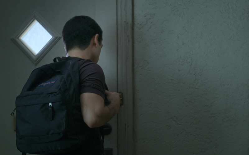 JanSport Backpack Used by Diego Tinoco as Cesar Diaz in On My Block S03E02 (1)