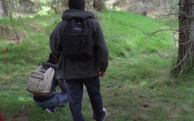 JanSport Backpacks in On My Block S03E08 (1)
