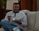 Lacoste Sweatshirt Worn by Marcel Spears in The Neighborhood S02E18 (1)