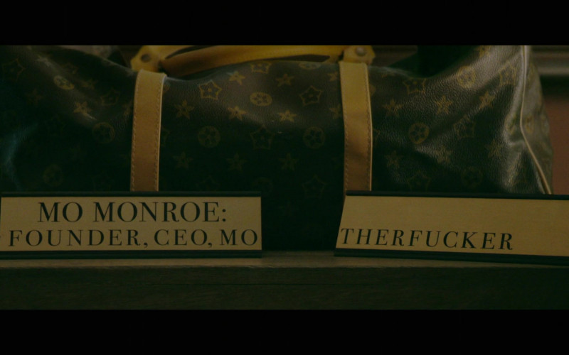 Louis Vuitton Bag in Black Monday S02E02 So Antoine (4)