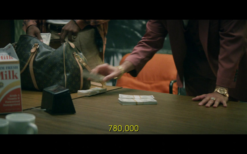 Louis Vuitton Bag in Black Monday S02E03