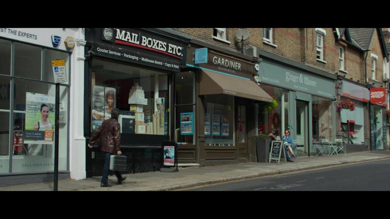 Mail Boxes Etc. in The Gentlemen (1)