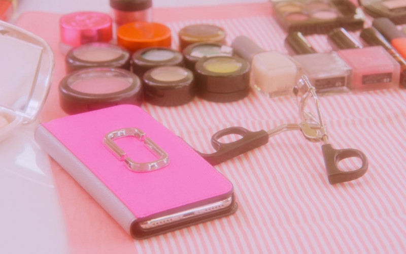 Marc Jacobs Pink Phone Case in Followers S01E04 Flaming (2020)