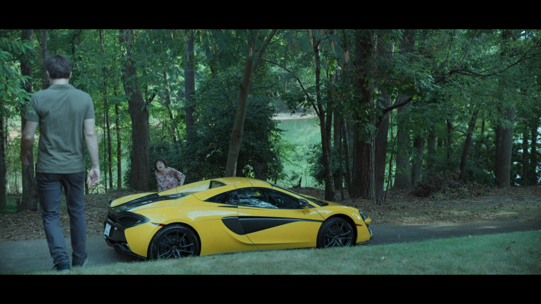 McLaren Yellow Sports Car in Ozark S03E07 (3)