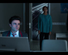 Microsoft Surface Studio Computers in Elite S03E07 (1)