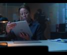 Microsoft Surface in Elite S03E08 Polo (2)