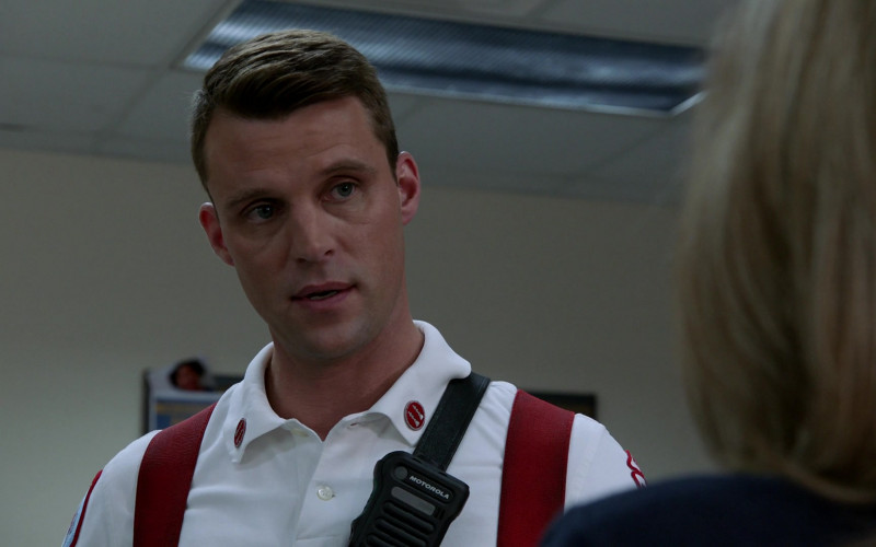 Motorola Radio in Chicago Fire S08E17 Protect a Child (2020)
