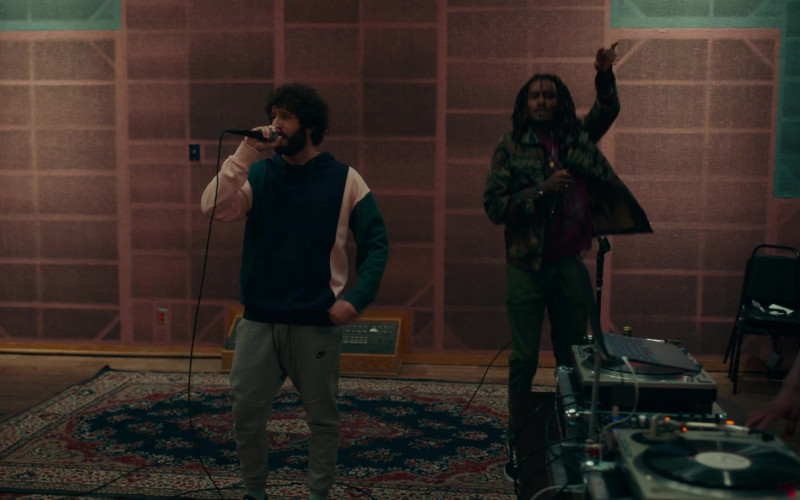 Nike Sweatpants Worn by David Andrew Burd (Lil Dicky) in Dave S01E05