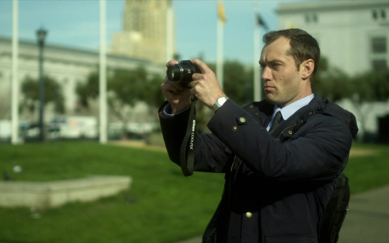 Nikon Colorpix Camera Used by Jude Law as Alan Krumwiede in Contagion (2011)