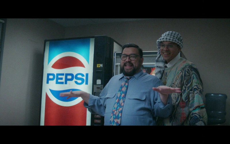 Pepsi Vending Machine in Black Monday S02E04 (2)