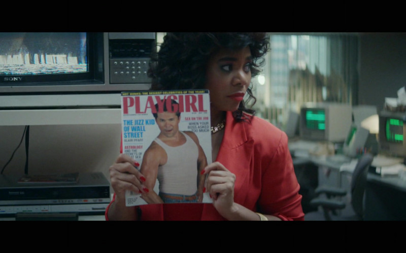 Playgirl Magazine in Black Monday S02E01 Mixie-Dixie (1)