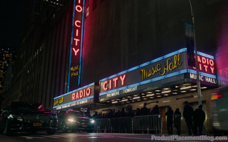 Radio City Music Hall in This Is Us S04E16 New York, New York, New York (2020)